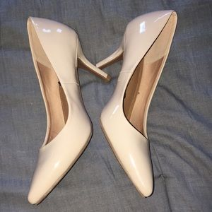 H&M Nude Beige Patent Leather Heels Pumps Size 7